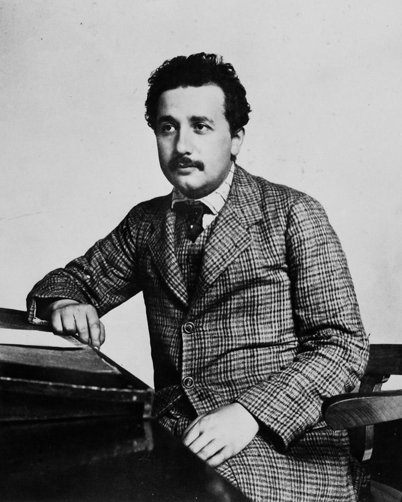 ألبرت أينشتاين في شبابه