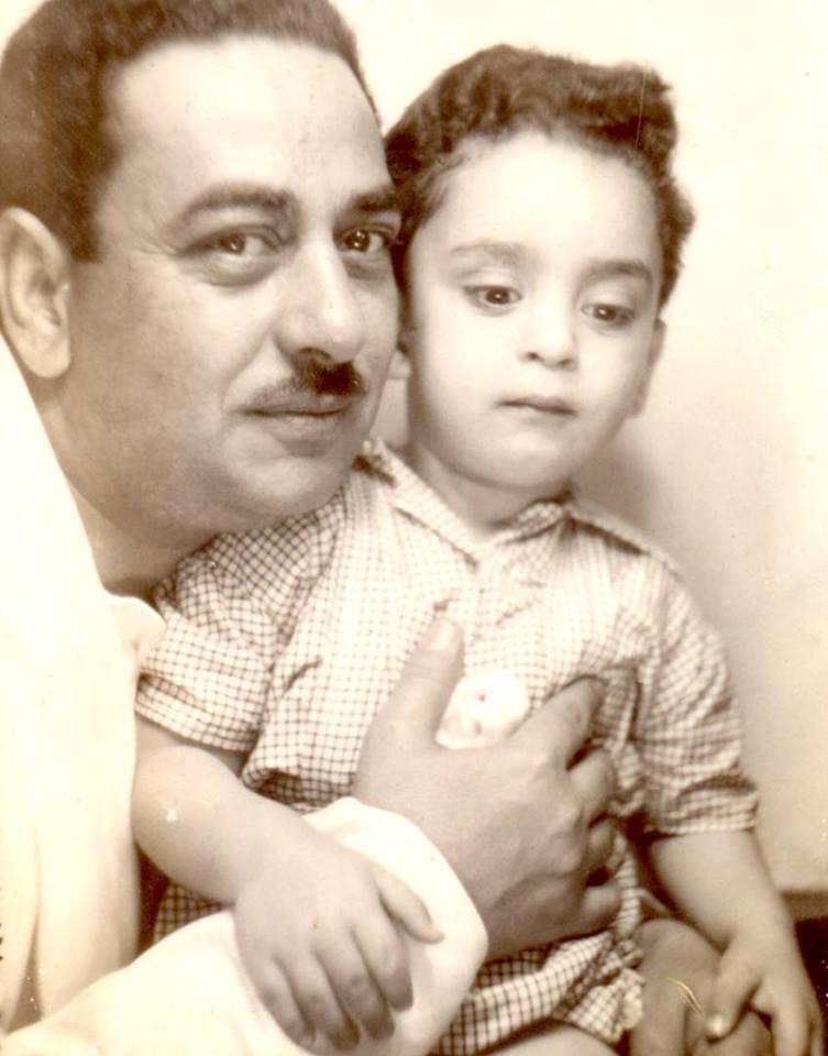 خيري بشارة مع والده