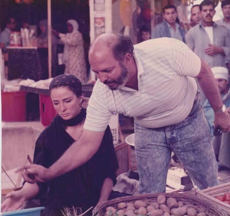 محمد خان و نجلاء فتحي خلال تصوير فيلم أحلام هند وكاميليا
