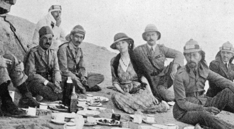جيرترود بيل ولورنس العرب في العراق