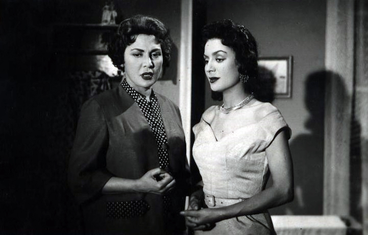 حورية حسن مع تحية كاريوكا 1958