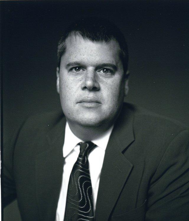 الكاتب دانيال هاندلر، المعروف بإسم ليموني سنيكت