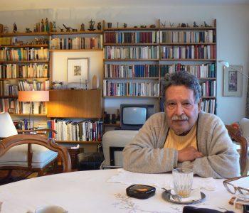 الروائي جميل عطية إبراهيم في بيته، تصوير يوسف ليمود
