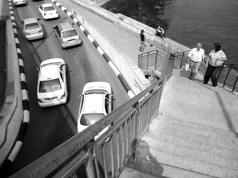 سلم مشاة، كوبري ١٥ مايو الزمالك، كورنيش النيل، القاهرة، أكتوبر ٢٠١٣